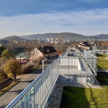 Impozantní střešní terasy horních bytů